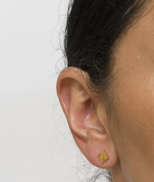 KGW by S.B. | Gold plated silver earrings with lined pattern - Kristina Goes West  - 2