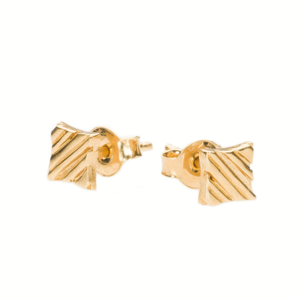 KGW by S.B. | Gold plated silver earrings with lined pattern - Kristina Goes West  - 1