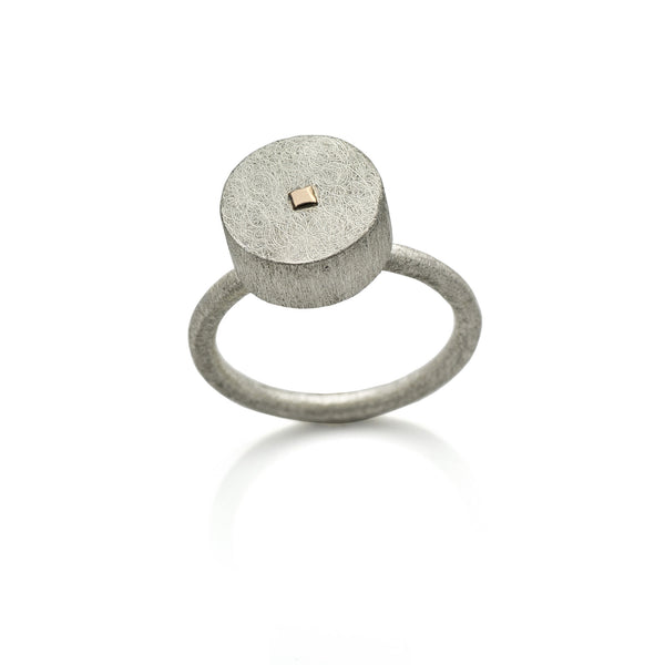 DD Workshop | Brushed silver and gold ring Circle - Kristina Goes West