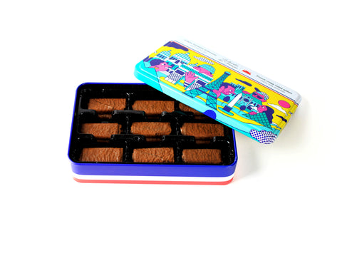 Le chocolat des Francais - French crispy rolled wafers in a metal box - Milk Chocolate