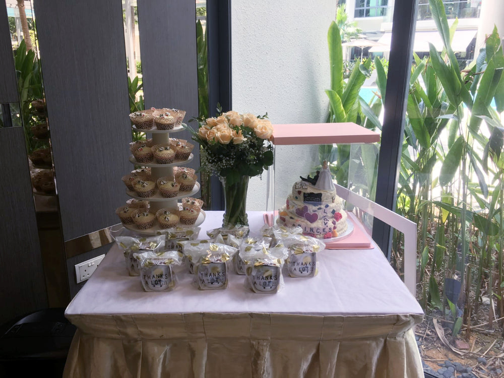 wedding flowers decoration for gifts bar