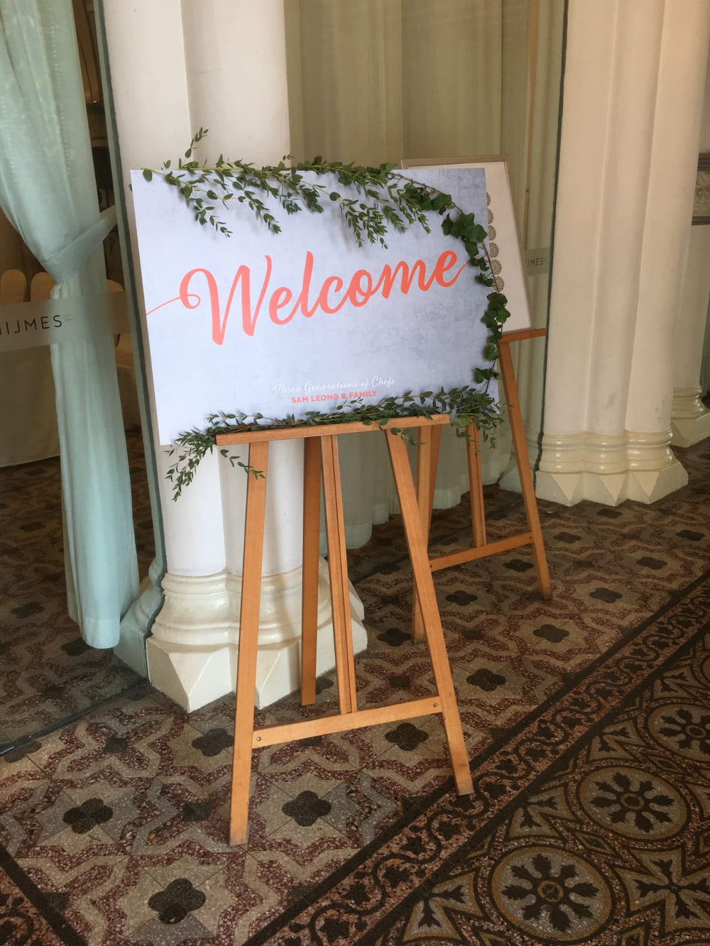 welcome sign board floral design