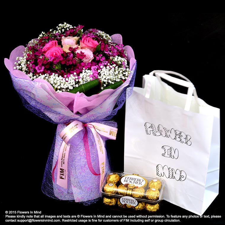 Bouquet of Roses with Ferrero Rocher T16 (HB144) - Flowers In Mind