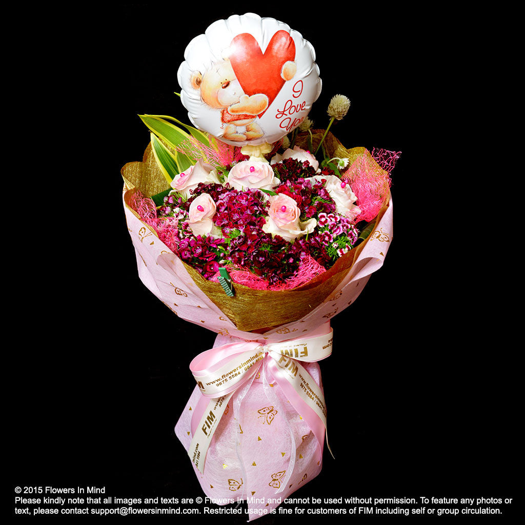 Bouquet of Roses & Balloon - FLOWERS IN MIND