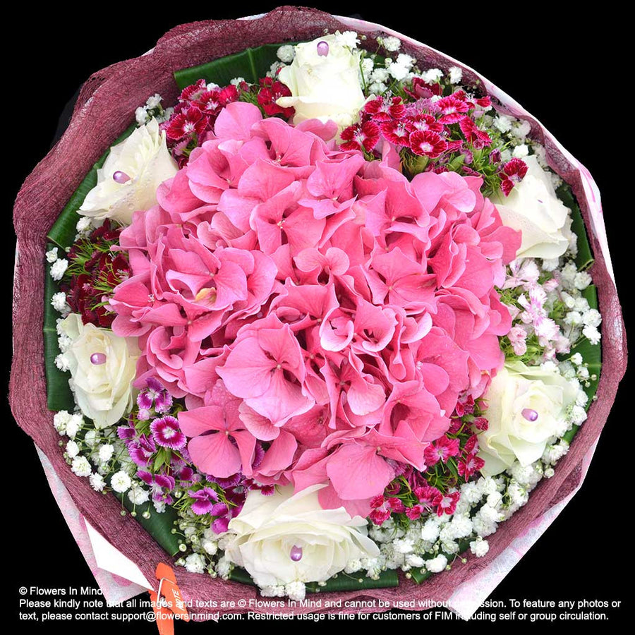 Bouquet of Hydrangea and Roses (HB299) - Flowers-In-Mind