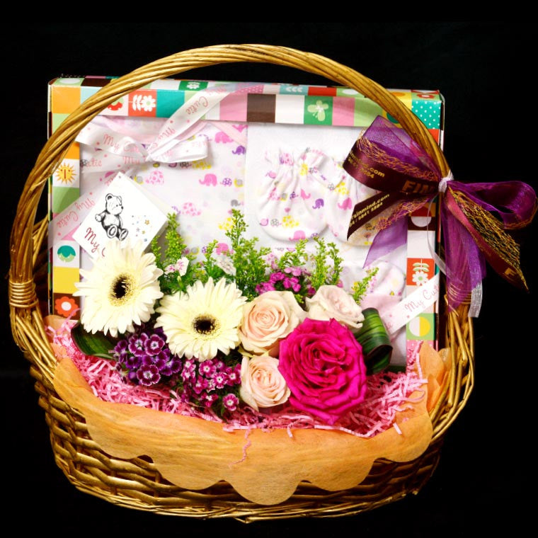 New Born Hamper (HP65) - Flowers In Mind