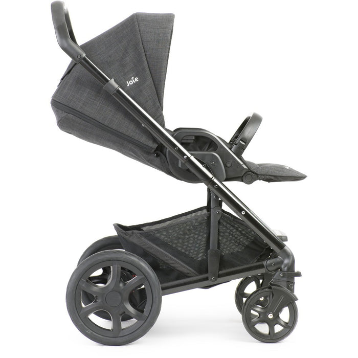 Joie Chrome DLX Pavement includes Carrycot & i-Gemm Car Seat - August Delivery