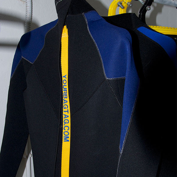 Pick your wetsuit of a scuba drying locker - YourBagTag