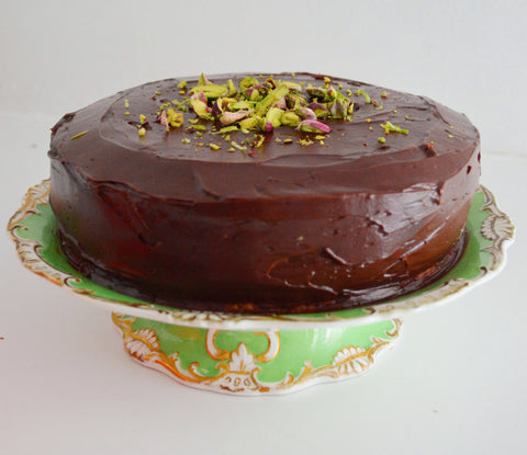 What is a substitute for vegetable oil in a cake?