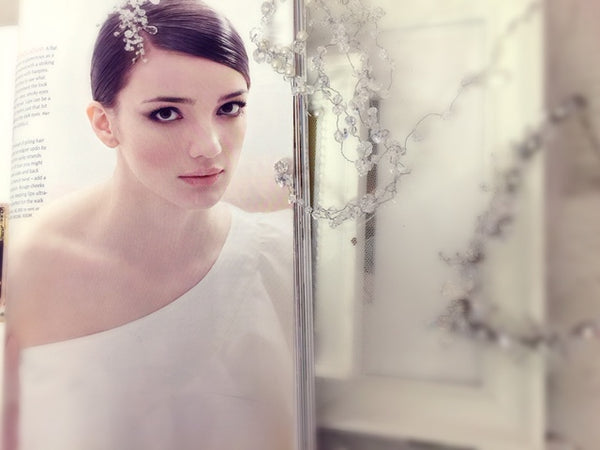 Herworld Brides (Issue: Aug09) : Featuring Gioielli's Style #0415 Bridal Hair Accessory