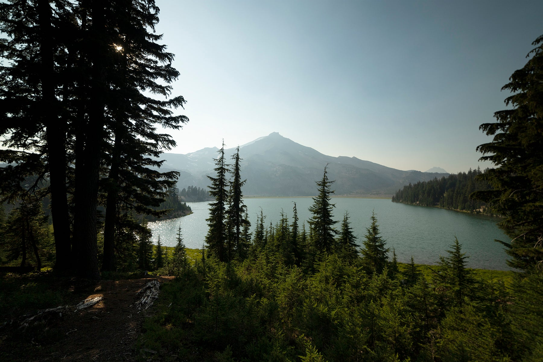 Green Lakes by Sisters Mountain range outside of Bend, Or
