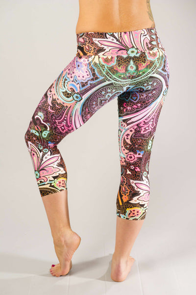 Fabulous Fillagre Mid-Calf Compression Capri