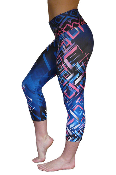 Geometric Glee Mid-Calf Compression Capri