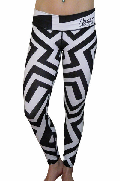 Black and White Crazy Maze Leggings