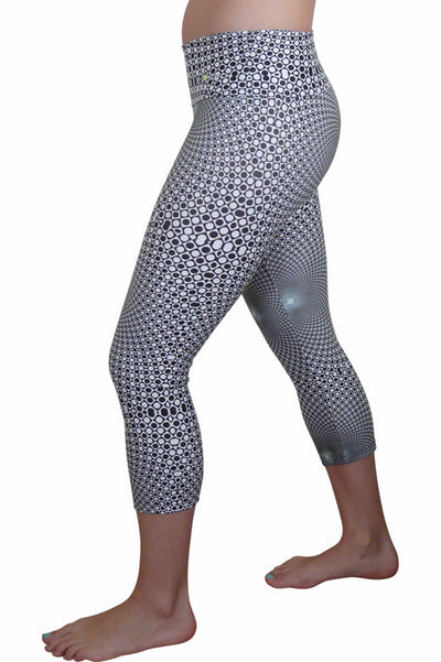 Black to the Future Compression Capri