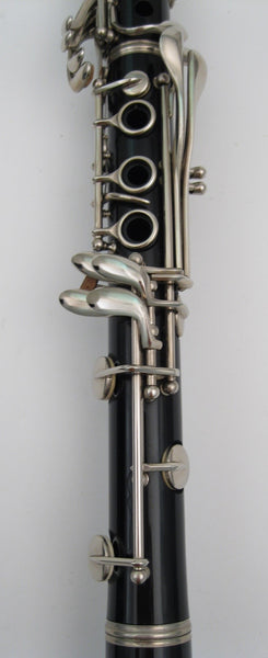 how to buy a student clarinet