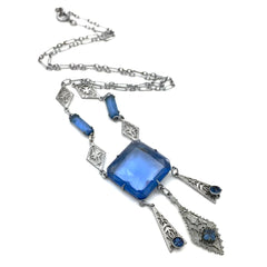Stunning vintage 1920's art deco sapphire glass necklace.