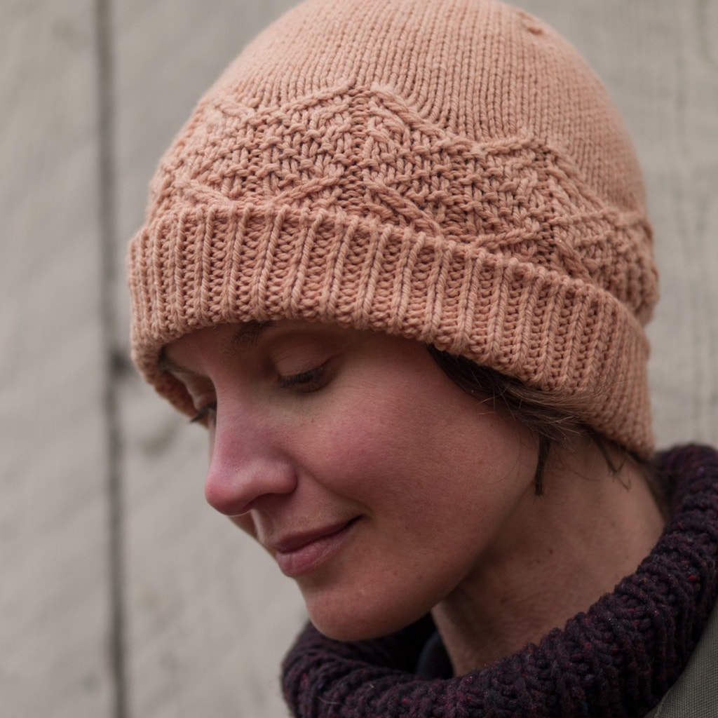 Woman wearing the Kennings Swatchcap hat
