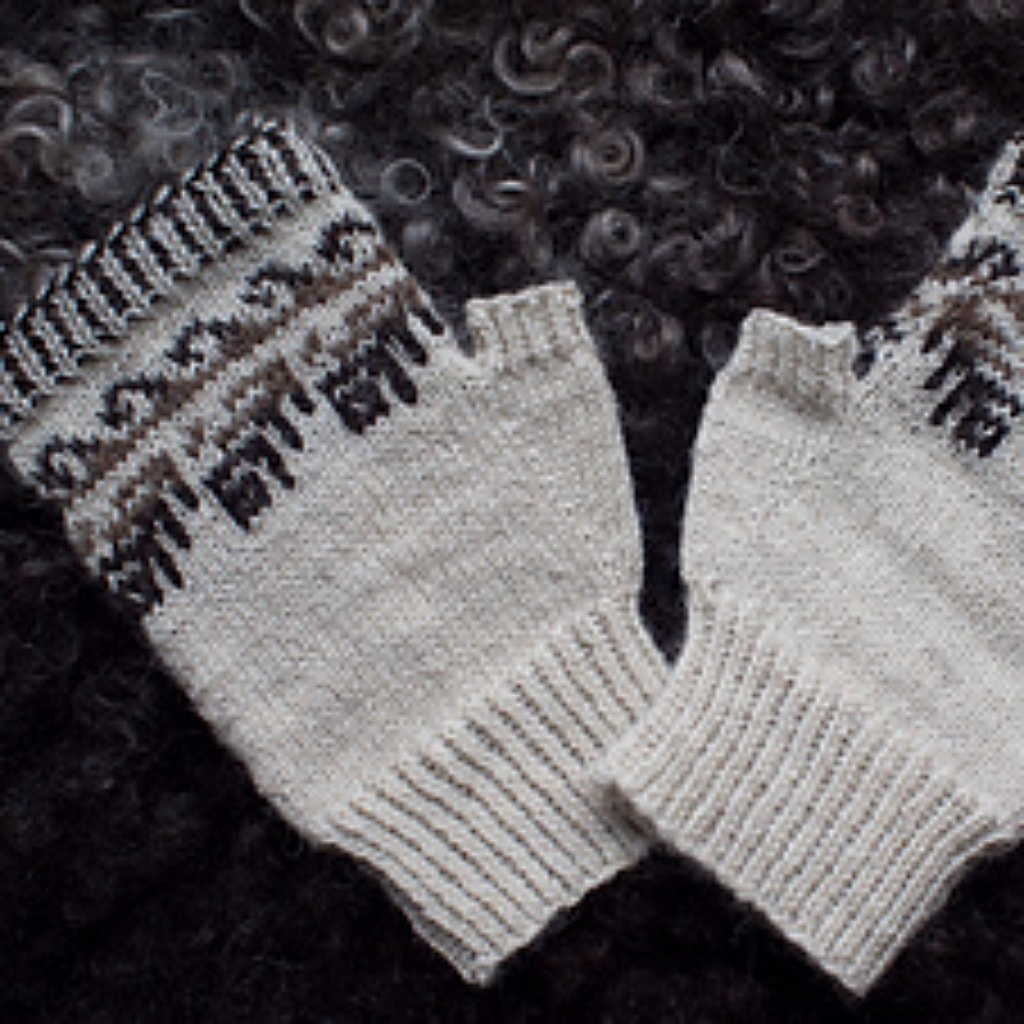 Close up of Winter Isle Mitts