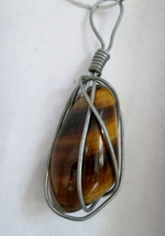 Genuine TIGER EYE STONE Pendant Necklace Collar Natural Crystal Wire Wrap Boho Rock