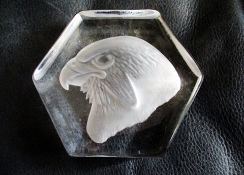 Signed KOSTA HOFF BIRD BALD EAGLE HAWK PAPERWEIGHT Frosted GLASS Art