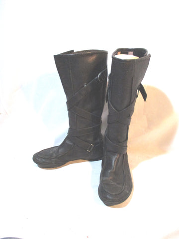 Womens PUMA Criss Cross Tall LEATHER BOOT 6 BLACK Strappy Mukluk