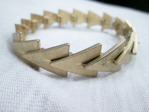 NWT NEW YORK & COMPANY BRASSTONE ARROW Bracelet Cuff Bangle Arm Band GOLD