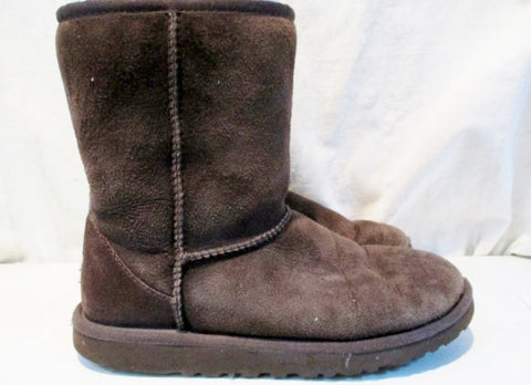 Kids Girls UGG AUSTRALIA 5251 CLASSIC SHORT Suede BOOTS Shoe CHOCOLATE 5 BROWN