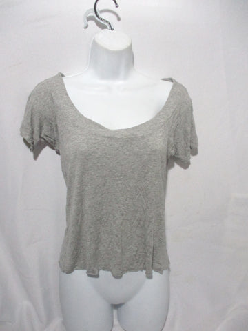 EUC SWEATY BETTY Tee Yoga T-SHIRT Top GRAY M Athletic Lounge Yoga Womens