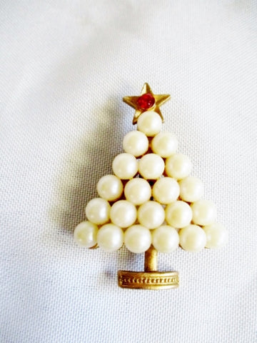 Vintage PEARL CHRISTMAS PINE TREE BROOCH PIN Holiday Gold WOW!