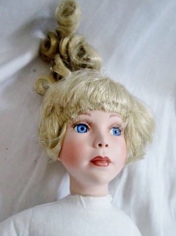 Signed PATRICIA RAU 1998 Porcelain DOLL Toy  Collectible 0673 BLONDE BLUE EYE