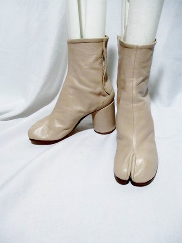 NEW MAISON MARTIN MARGIELA PARIS Split Toe TABI Bootie Boot 36 6 BEIGE Leather Womens