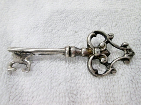 STERLING SILVER KEY DOOR NEW BEGINNING Jewelry Brooch Pin Estate Find
