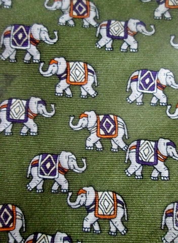 Brooks Brothers Elephant 100% Silk Tie USA NECK TIE GREEN Trunk Up Lucky
