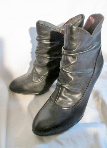 EUC Womens INDIGO Rouched Leather Ankle BOOTS Booties BLACK 10 High Heel