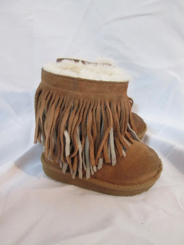 Toddler Kids Girls UGG AUSTRALIA CLASSIC SHORT II 1019695T BOOT 8 Fringe