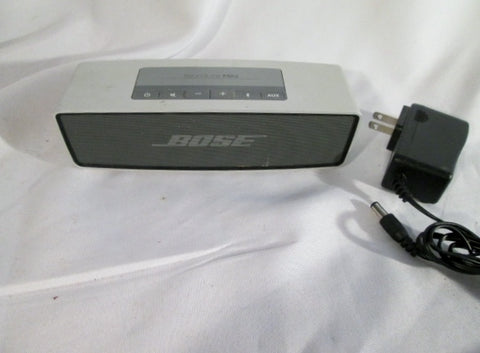 BOSE SoundLink Mini Wireless Bluetooth Speaker SILVER w Charger Bundle - WORKS