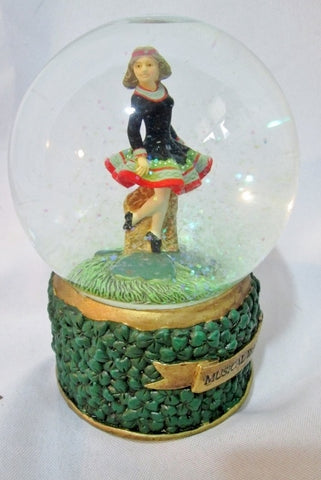 WATERBALL IRISH DANCER MUSICAL IRELAND Step Snow Globe Music Box - WORKS!