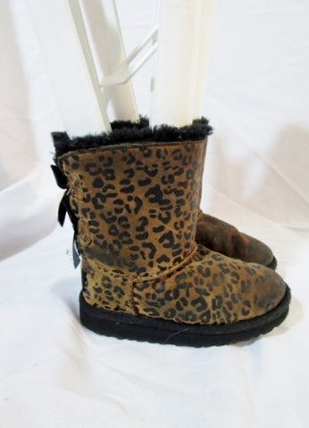 Toddler Kids Girls UGG 1008217T MINI BAILEY BOW LEOPARD SUEDE Boot 9 BROWN