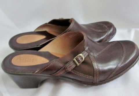 Womens CLARKS ARTISAN Clog Leather Shoe Slip on Loafer Mules 8 BROWN Buckle MOC