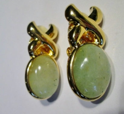Vintage GOLD PALE GREEN STONE EARRING Set Clip On Jewelry Retro Classic Preppie