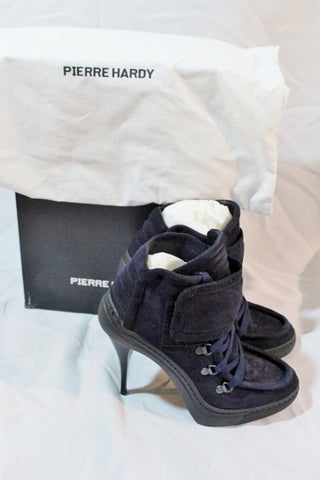 NEW PIERRE HARDY SUEDE KID NAVY Stiletto Heel Bootie 37 6.5 ITALY Womens