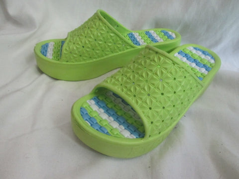 NEW BAOSHUN Womens Shower Water Sandals Flip Flop Mules 6.5 LIME GREEN Vegan