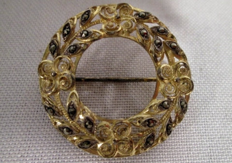 Vintage CHRISTMAS WREATH MARCASITE GOLD Jewel Floral Brooch Pin HOLIDAY Xmas