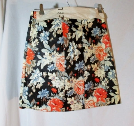 NWT New CELINE LAMBSKIN LEATHER PEONY SKIRT 38 / 6 FLORAL Black