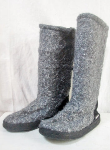 Womens Ladies MUKLUKS Sweater Boots Knit GRAY Cardy Outdoor Shoes 7 Slippers