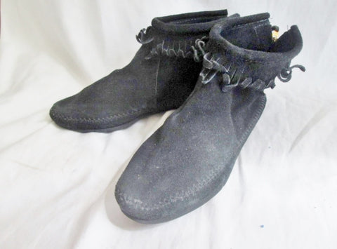 EUC Womens MINNETONKA Suede Fringe Ankle Boots Moccasin BLACK Shoes 8 Booties USA