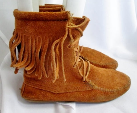 Womens MINNETONKA Suede Fringe Ankle Boots Booties Moccasin Hippie BROWN 6 Shoes
