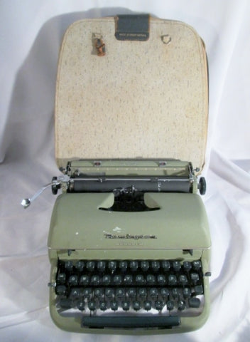 Vintage REMINGTON MONARCH Manual Typewriter Display GREEN w Case GREAT BRITAIN