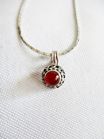 "15"" STERLING SILVER RED CARNELIAN STONE BALI Tiny NECKLACE CHOKER Pendant Charm"
